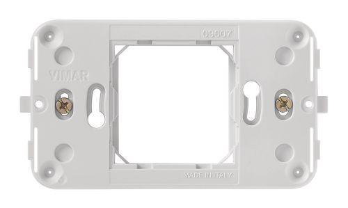 Ramka montażowa z wkrętami 2M-centr. pionowa